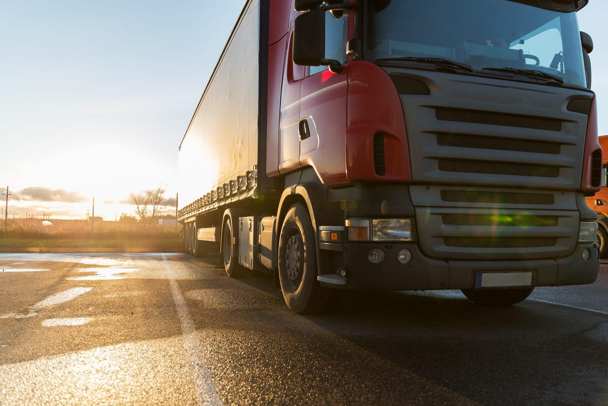 O que diz a legislação de transporte de cargas no trânsito