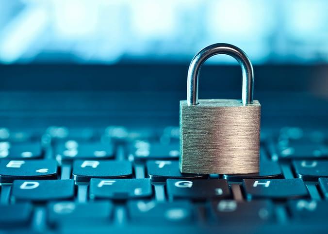Governo adia lei de proteção de dados pela segunda vez